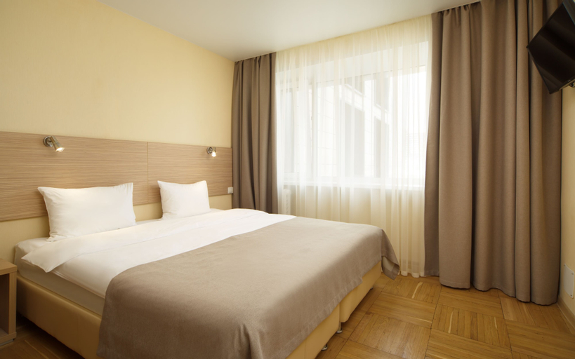A Hotel Brno, Novousmanskiy rayon