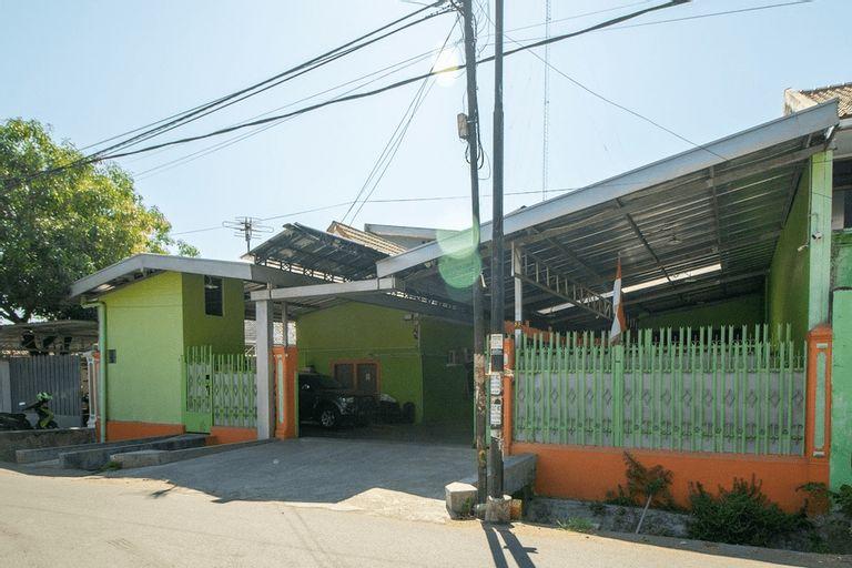 RedDoorz near Kejaksan Station Cirebon 2, Cirebon