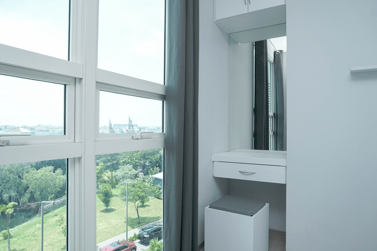 1BR Comfy Apartment at CitraLake Suites By Travelio, Jakarta Barat