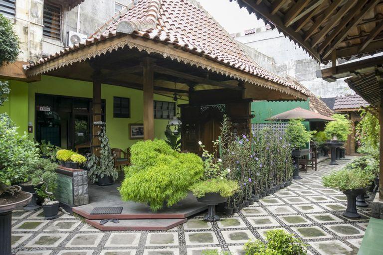RedDoorz Syariah @ Lempuyangan, Yogyakarta