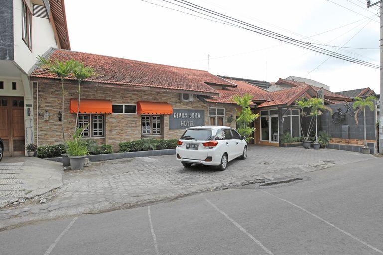 RedDoorz near Pojok Beteng Yogyakarta, Yogyakarta