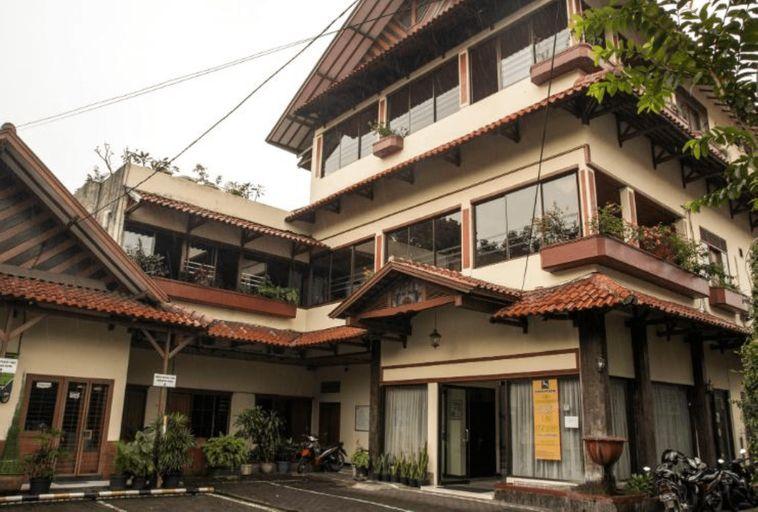 Kenangan Hotel Bandung, Bandung
