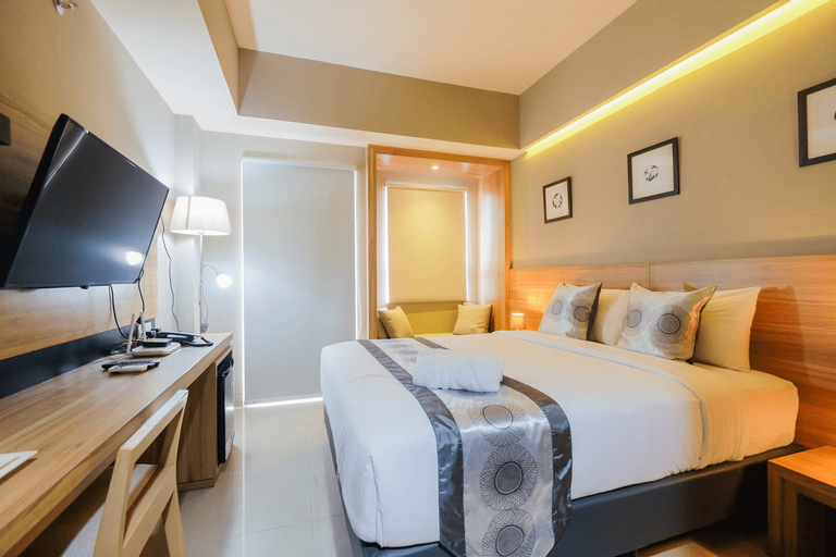Comfortable and Fully Furnished Studio Apartment at Mustika Golf Residence By Travelio, Cikarang