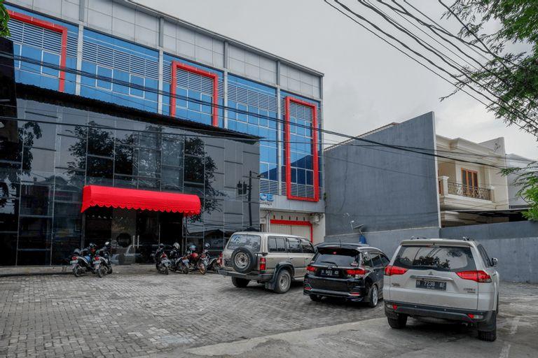 RedDoorz @ Jalan Kartini Semarang, Semarang