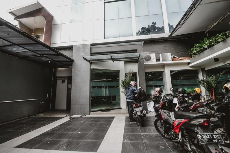 RedDoorz near Kebon Jeruk Jakarta, West Jakarta