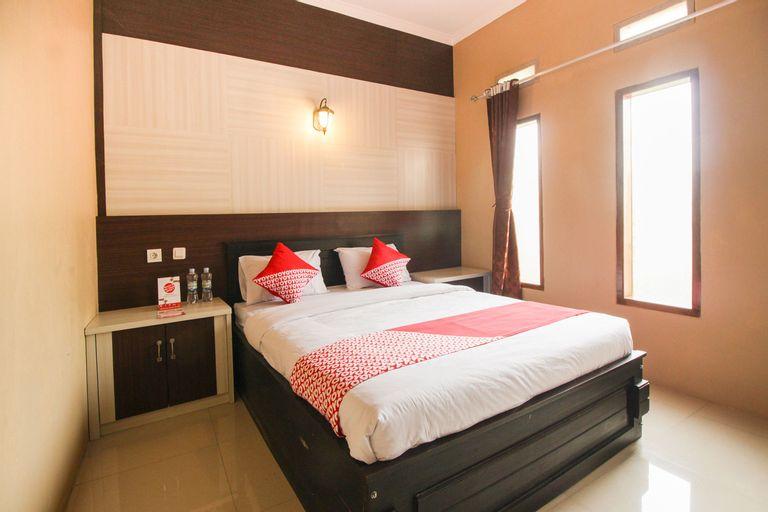 OYO 820 Abad Baru Hotel, Pangandaran