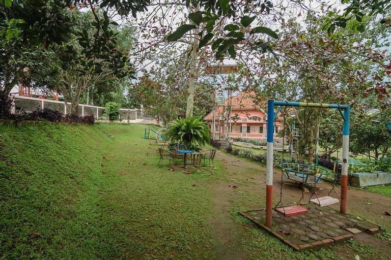 RedDoorz Syariah @ Cisarua Puncak Bogor, Bogor