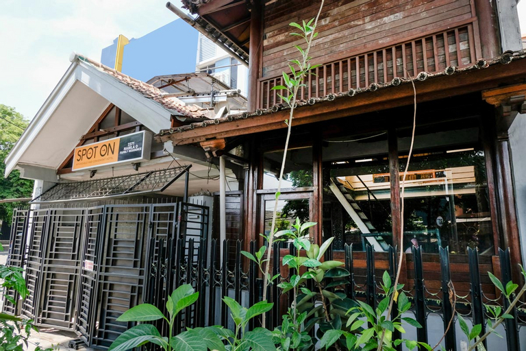 SPOT ON 2271 Nabila O Family Residence, Malang