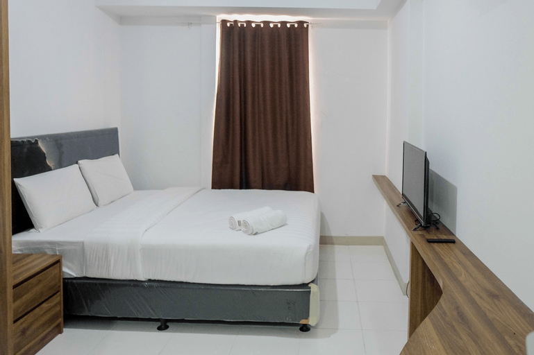 Comfortable Studio Azalea Suites Apartment By Travelio, Cikarang