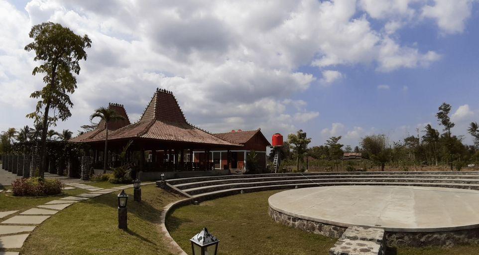 The Gade Village Balkondes Ngargogondo, Magelang