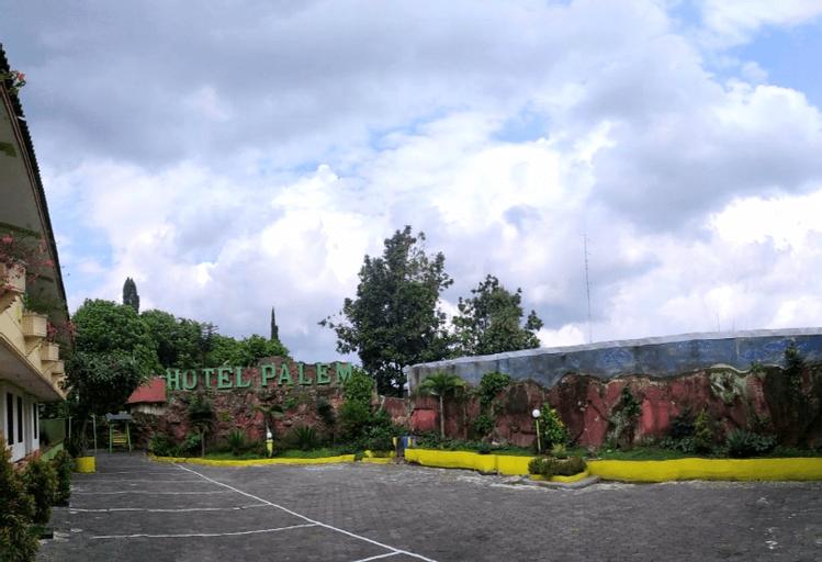 Grand Palem Hotel Batu, Malang