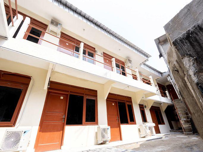 OYO 591 Mn Residence Near RS Mediros, East Jakarta