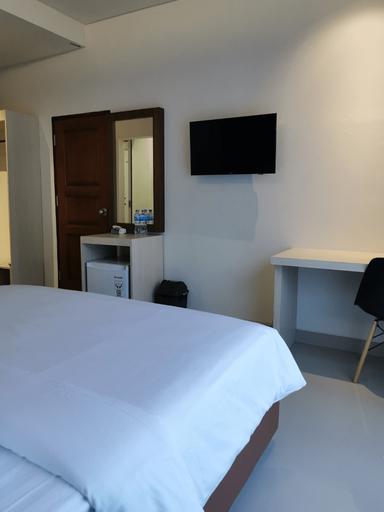 Lucky Hotel, Palu