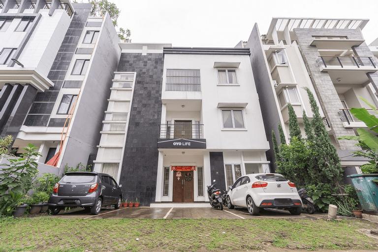 OYO 2468 Al's Home, Tangerang Selatan