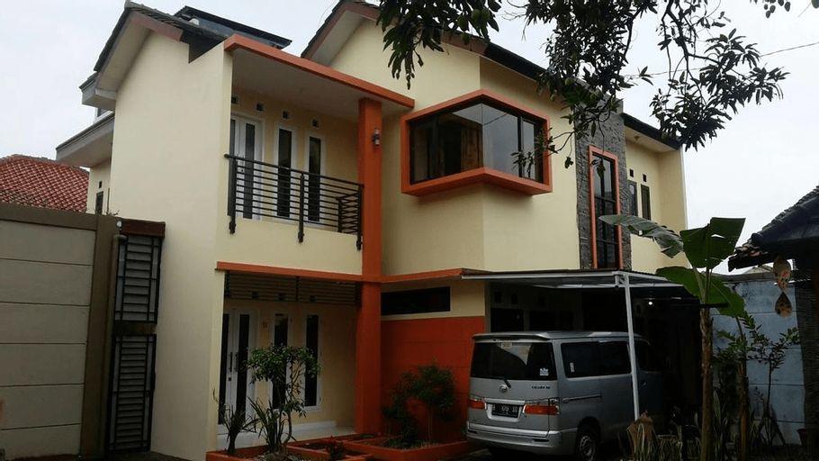 Kembang Turi Guest House, Bandung