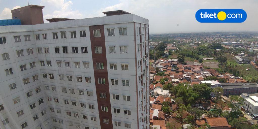 2BR at Pinewood Apartment Jatinangor by Amadda, Sumedang