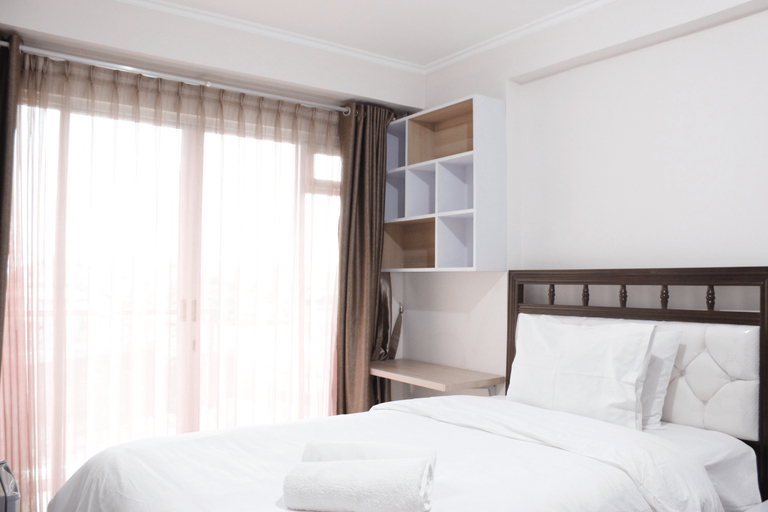 Compact Studio Room at Gateway Pasteur Apartment near Exit Toll By Travelio, Cimahi