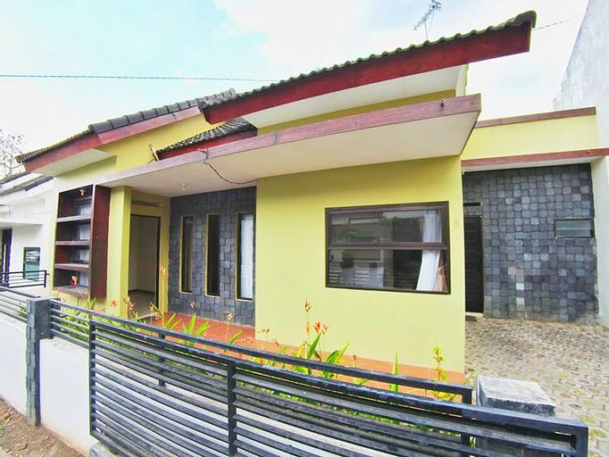 Villa 2 kamar Abdul Gani No. 5 dekat Museum Angkut, Malang
