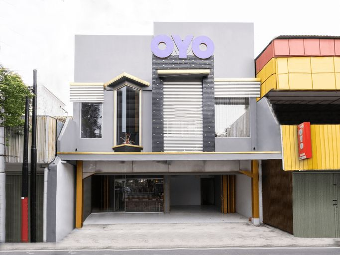 OYO 2669 Crown Residence, Yogyakarta
