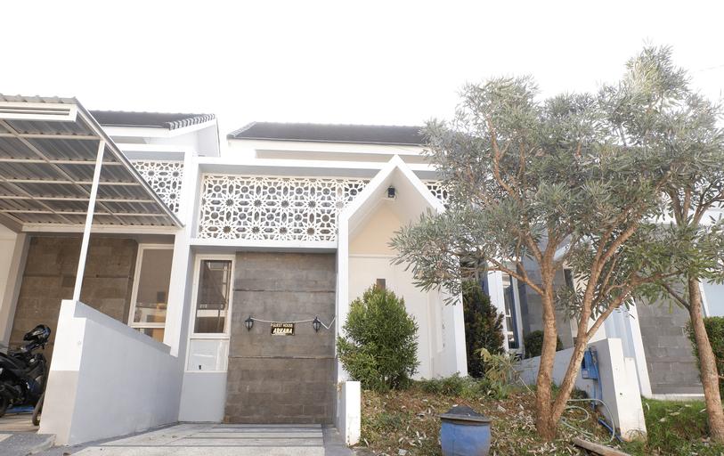 Villa Arkana - 2 Bedrooms, Malang