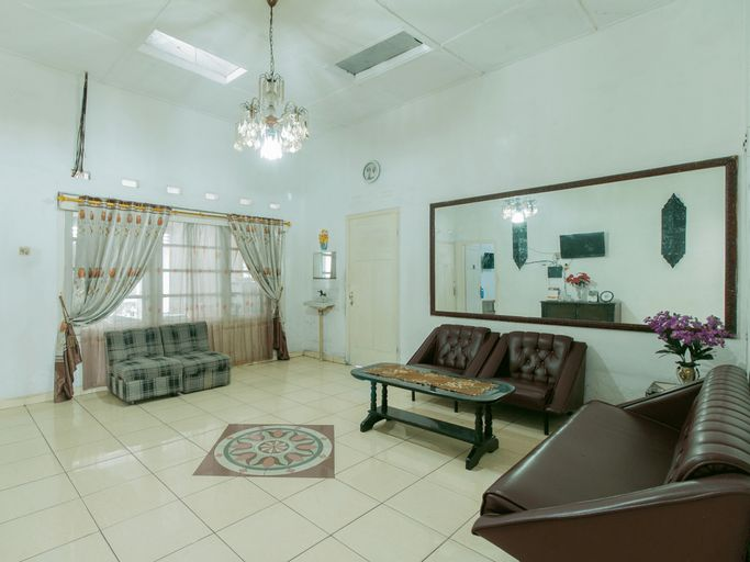SPOT ON 1707 Hotel Mustika Widyasari, Sukabumi