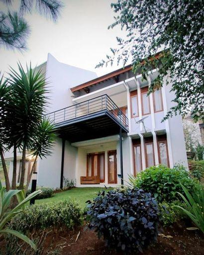 Villa Mawar Syariah, 3 BR + 1 BR, View Indah ke Bukit Dago, Bandung