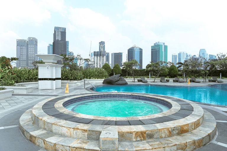 Best Price 3BR at Batavia Apartment By Travelio, Central Jakarta