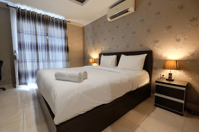Modern and Gorgeous 1BR The Boulevard Apartment By Travelio, Jakarta Pusat