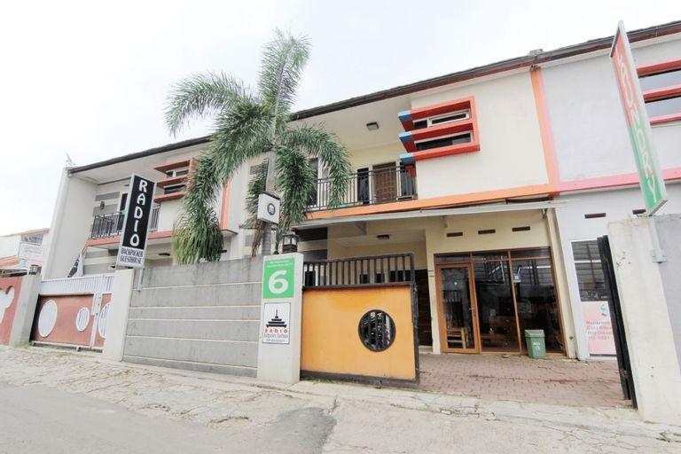 Radio Backpacker Guesthouse, Bandung