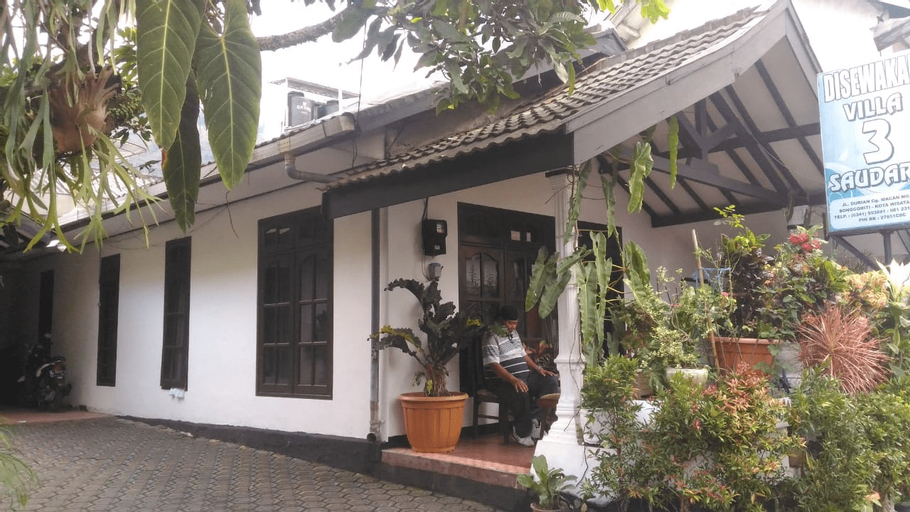 Villa 3 Saudara, Malang