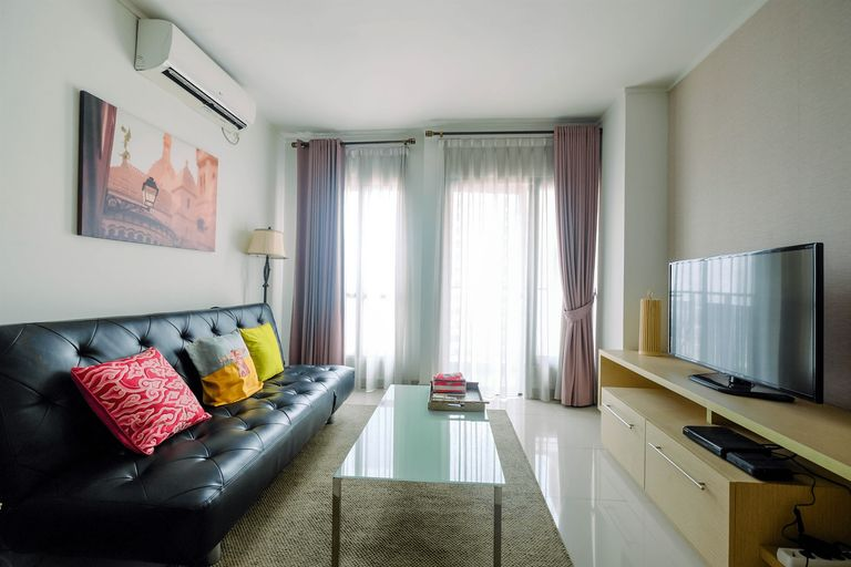 Cozy 2BR Apartment with Sofa Bed at Tamansari Semanggi By Travelio, Jakarta Selatan