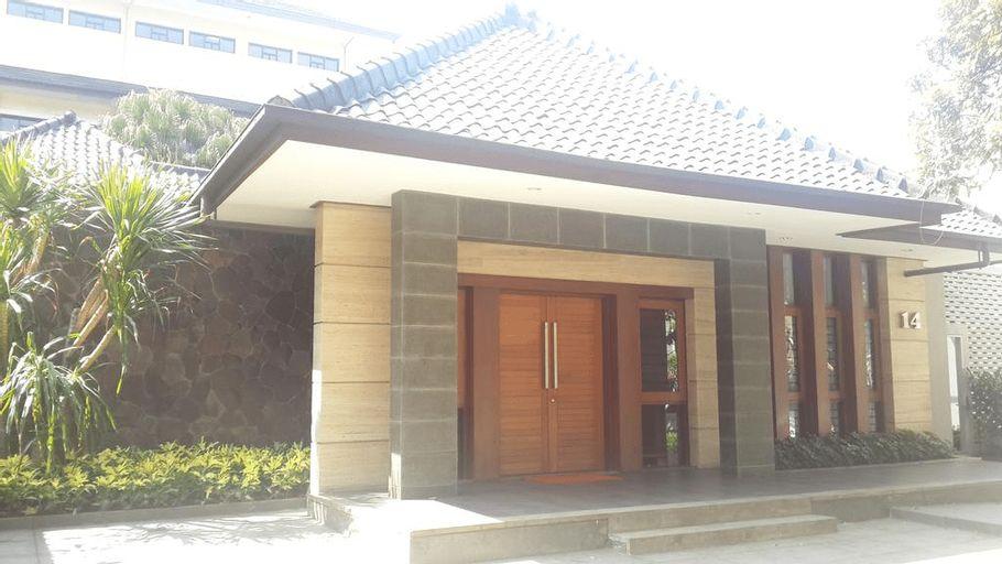 Dago Teuku Angkasa 14 Guest House, Bandung