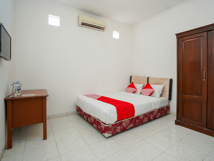 OYO 1281 Home Stay 83, Surabaya