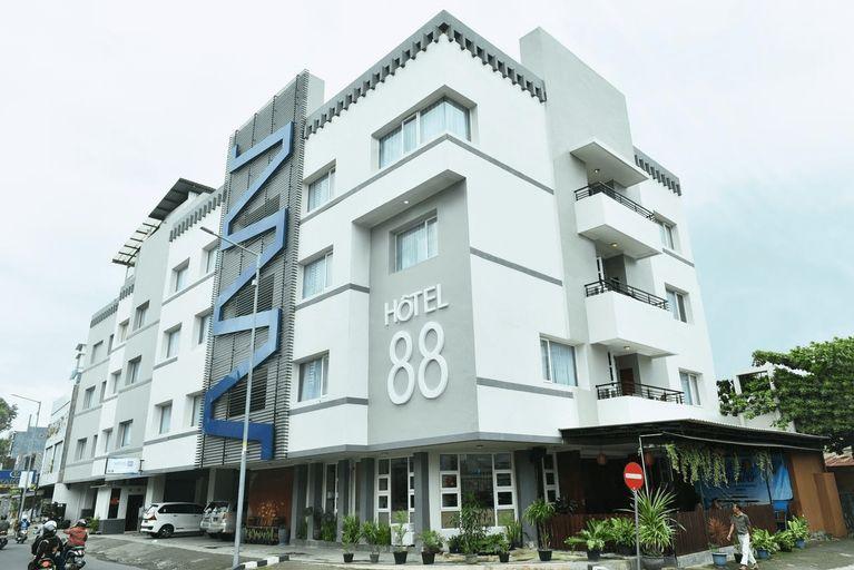 Hotel 88 Jember, Jember