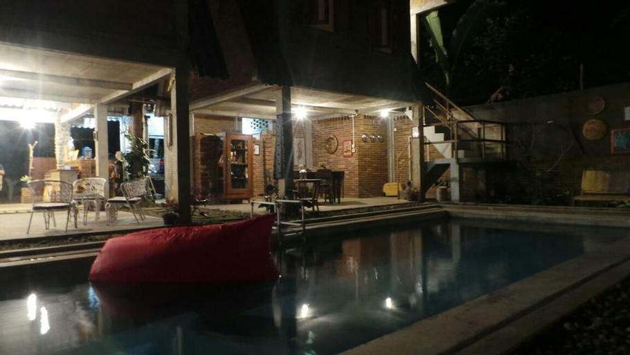 Omah Kulon Cabins and Pool, Magelang