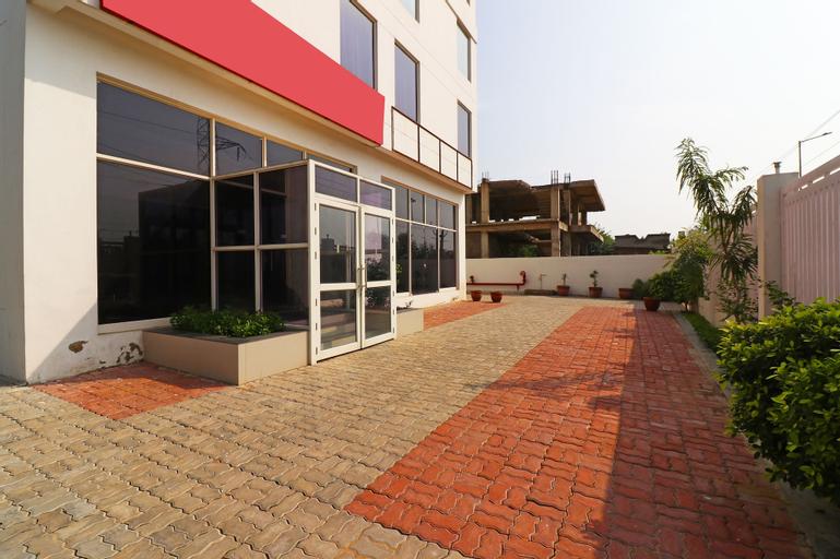 OYO 18443 Hotel Nano, Alwar