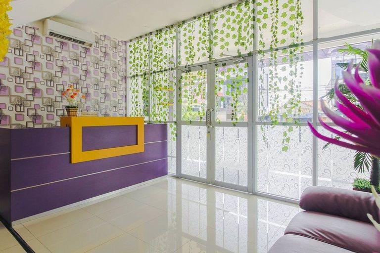 RedDoorz Plus near Stasiun Bekasi, Bekasi