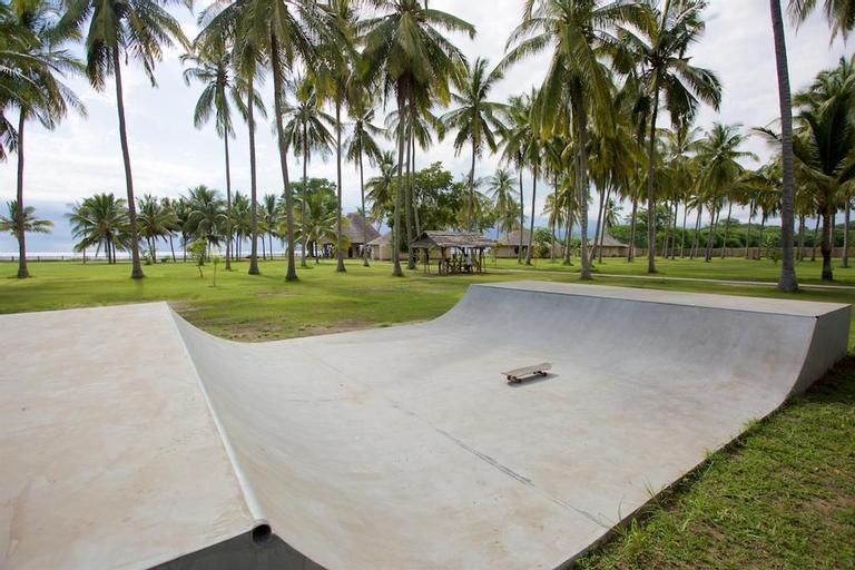 Whales & Waves Beach Resort, Sumbawa Barat