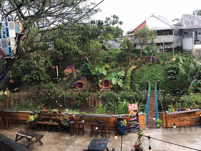 Bwalk Hotel Premier & Budget, Malang