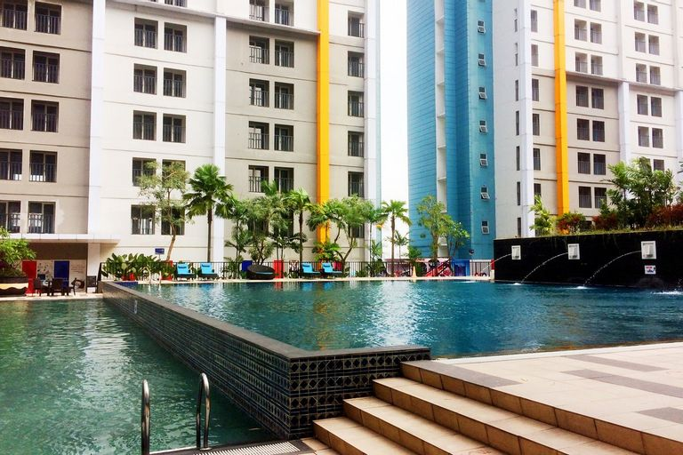 Bright 2BR Apartment at Paramount Skyline By Travelio, Tangerang