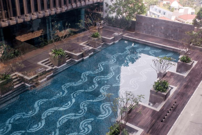 2BR Cozy Pool View Kemang Village Residence Apartment with Direct Access to Mall By Travelio, Jakarta Selatan