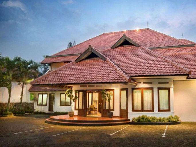 Paniisan Hotel, Bandung