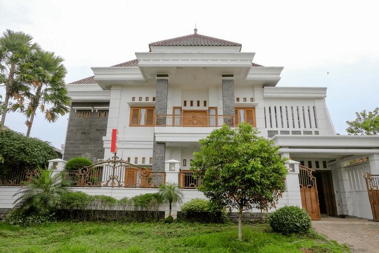OYO 2295 Daffi Family Residence, Malang