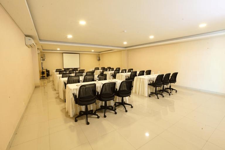Igloo Hotel & Function Hall, Cikarang
