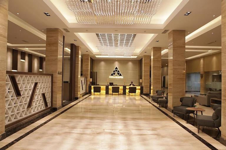 Pyramid Suites Hotel Banjarmasin, Banjarmasin