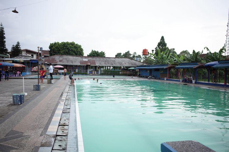 RedDoorz near Alun-Alun Kota Sukabumi, Sukabumi