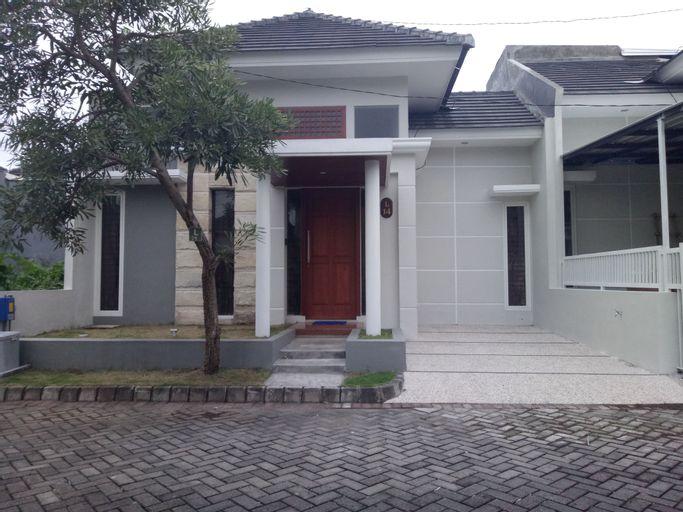 Rumah Singgah Asri Malang (2 Kamar), Malang