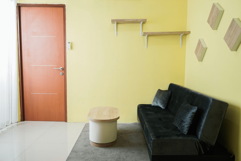 Cozy and Modern 1BR Green Central City Apartment By Travelio, Jakarta Barat