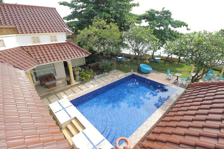 Bayfront Hotel Jepara, Jepara