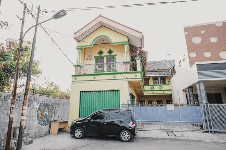 RedDoorz Syariah near Stadion Maulana Yusuf, Serang